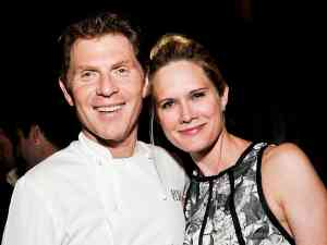 Bobby Flay and Stephanie March get divorced